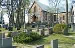 Kirkkonummen kirkko etelästä päin nähtynä.