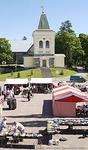 Kirkkonummen keskusta on kasvanut Pyhän Mikaelin kirkon ympärille.