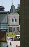 Kirkon kellotapuli rakennettiin vuonna 1824. Sen on suunnitellut arkkitehti Anton Wilhelm Arppe.